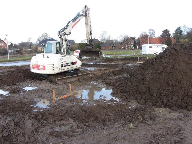 Beginn der Bodenarbeiten