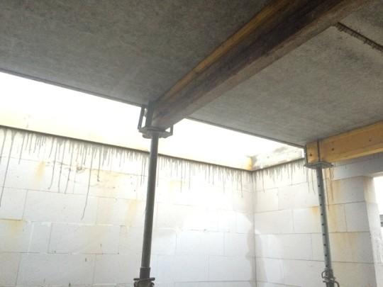 Deckenplatte gegossen - Treppe