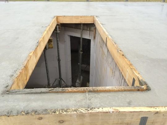 Deckenplatte gegossen - Treppendurchbruch