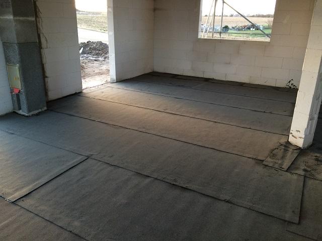 Bitumenschweißbahn im Erdgeschoss