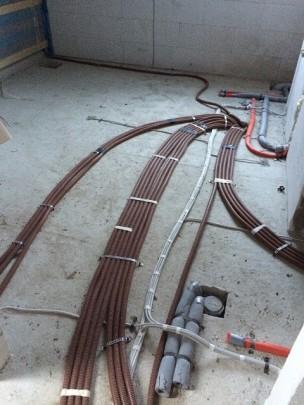Strom- / Netzwerk- /Antennenkabel