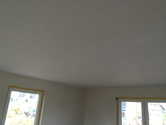 Rauhfaser - Decke im Wohnbereich