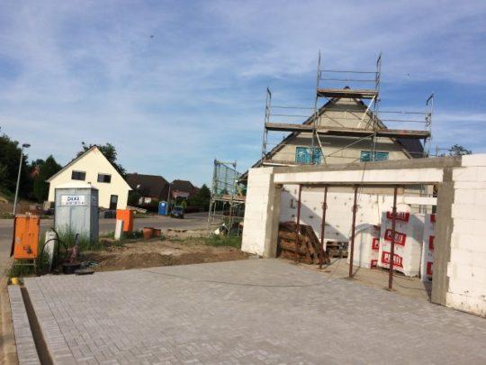 Pflasterung vor Garage - 09.06.2016